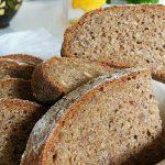 Pâinea de secară sau de grâu este mai sănătoasă? Pâinea, cea de toate zilele...caldă și pufoasă, proaspăt scoasă din cuptor...căci despre ea vorbim, poate fi făcută în multe feluri, dar oare care e cea mai bună pentru organism?